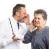 医師や看護師が患者さんにため口を使うのは許されるのか?